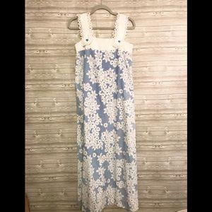 Dresses & Skirts - Vintage 70's Floral Maxi Dress Eyelet Straps
